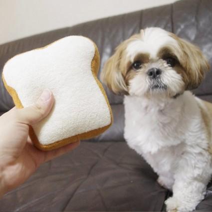 食パンのぬいぐるみ